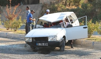 mut-ta-otomobil-takla-atti-1-yarali-5122936_o