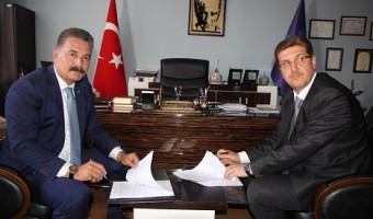 Başkan Tuna ve İŞKUR İl Müdürü Mustafa Kutlu işbirliği protokolünü imzaladı